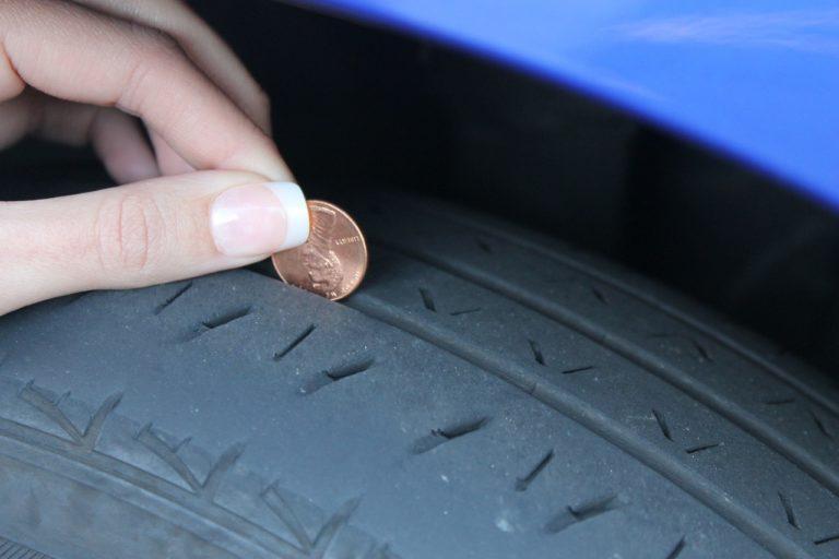 Perché i pneumatici si consumano all'interno