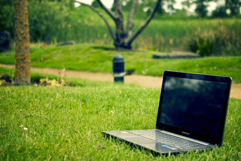 5 consigli per risparmiare energia, ridurre bollette e aiutare l'ambiente
